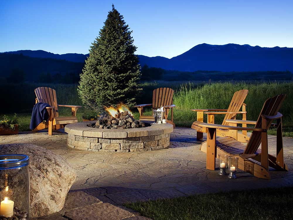 Outdoor-Fire-Pit-In-Colorado-Springs